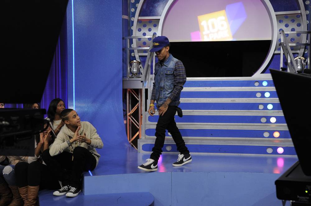 Getting Closer\r - Bow Wow on set at BET's 106 & Park. (Photo: John Ricard / BET)