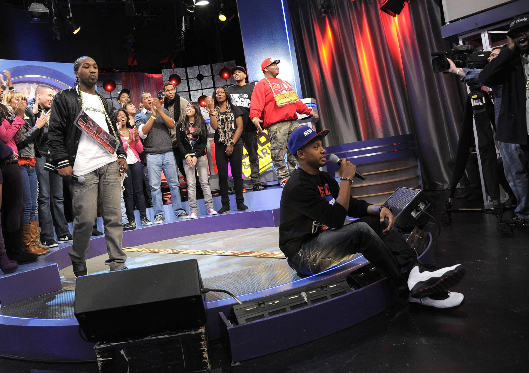 Let's See - Terrence J tells the audience to sit tight and hold on to find out who has won the battle of Relly vs Dolo Chillin at 106 & Park, January 20, 2012. (Photo: John Ricard / BET)