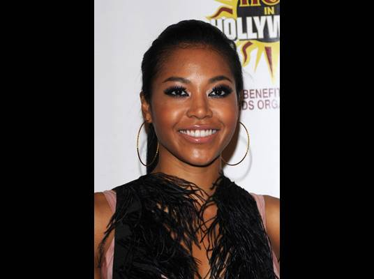 """Amerie on Monday - The songbird returned with her new joint, """"Why R U""""."""