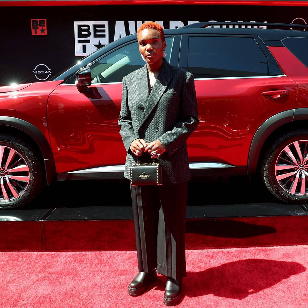 BET Awards 2021   Red Carpet Flipbook Arlo Parks   1080x1080