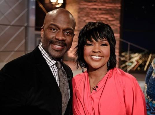 The Mo'Nique Show: BeBe & CeCe - BeBe and CeCe are just two members of the talented gospel singing family, The Winans.