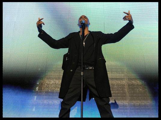 Trey Songz in L.A. - Trey Songz is center stage for a slow jam.