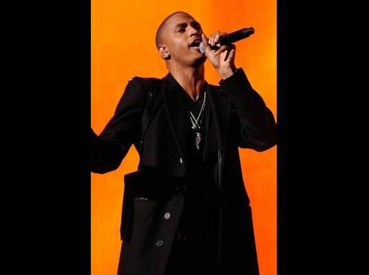 Trey Songz in L.A. - Trey makes sure to hit all of the carefully placed notes.