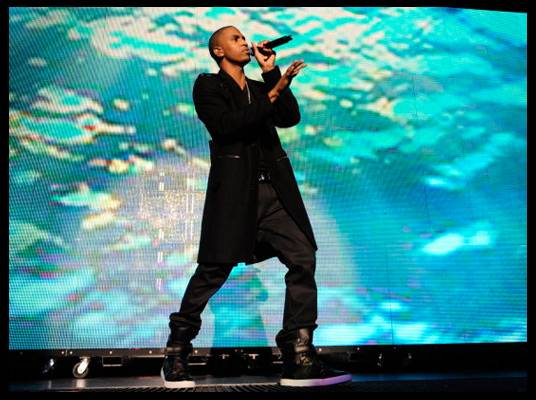 Trey Songz in L.A. - During the show, the screen changes from red and orange to an underwater scene.