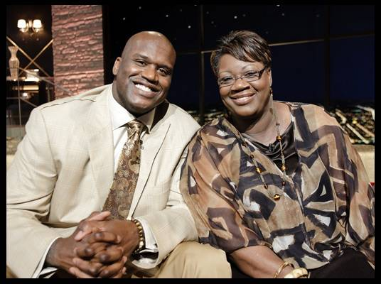 Shaquille & Lucille O'Neal - Cleveland Cavalier Shaq supports his mother?s new book, ?Walk Like You Have Somewhere to Go.?