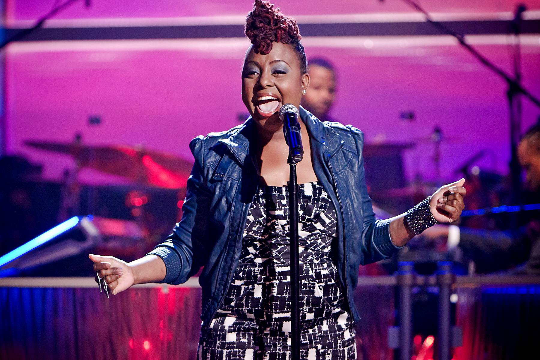 """Opening Pieces - Ledisi opens the episode up with a performance of the song """"Pieces of Me"""" off of her new album of the same name.(Photo: Darnell Williams/BET)"""