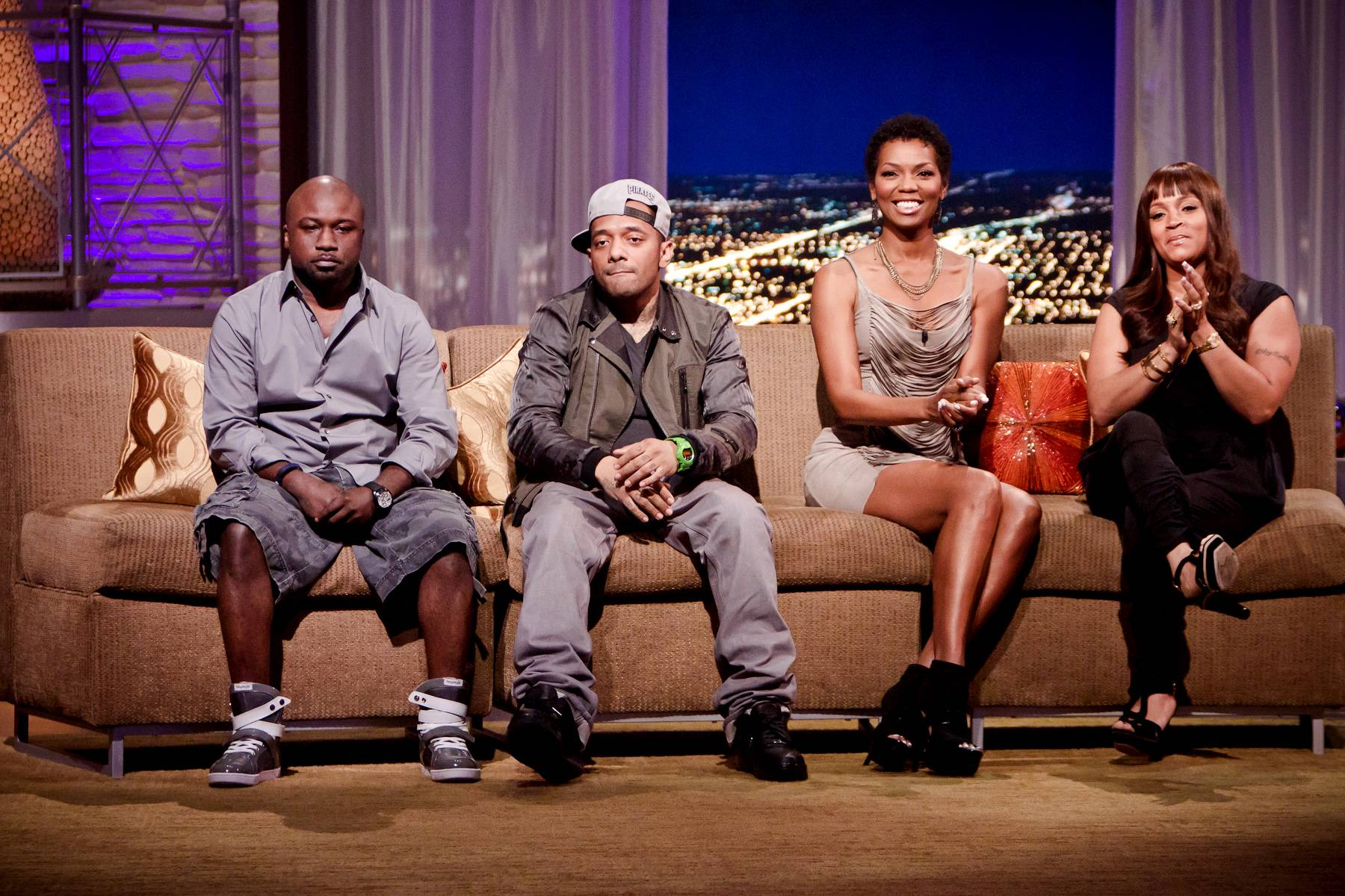 Striking a Couch Pose - The evening's guests pose for Darnell on the couch.(Photo: Darnell Williams/BET)