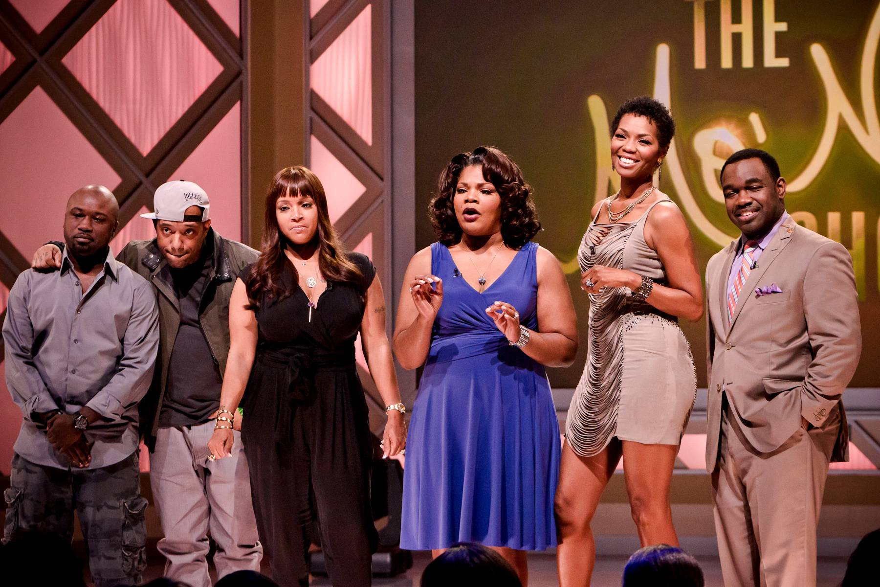 Another Great Episode Comes to an End! - It's a wrap! From left: Havoc, Prodigy, Simone Smith, Mo'Nique, Vanessa Williams and Rodney Perry.(Photo: Darnell Williams/BET)