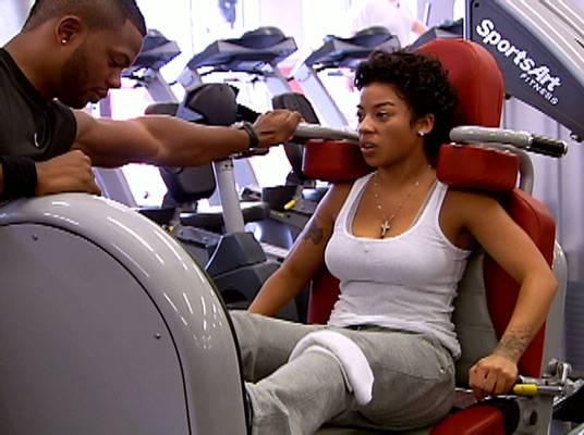 Keyshia Cole - Check out Keyshia getting her workout on! Go girl!
