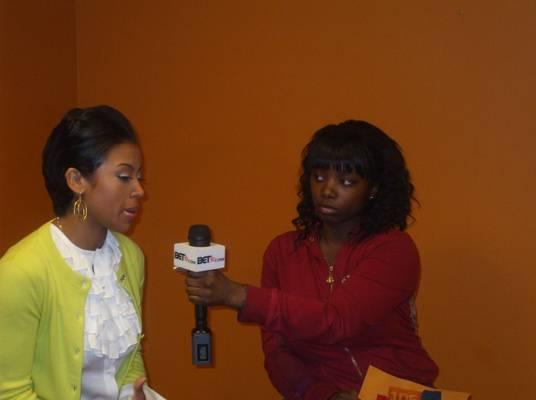 Keyshia & Fan - Our roving reporter gets the juice from Keyshia.