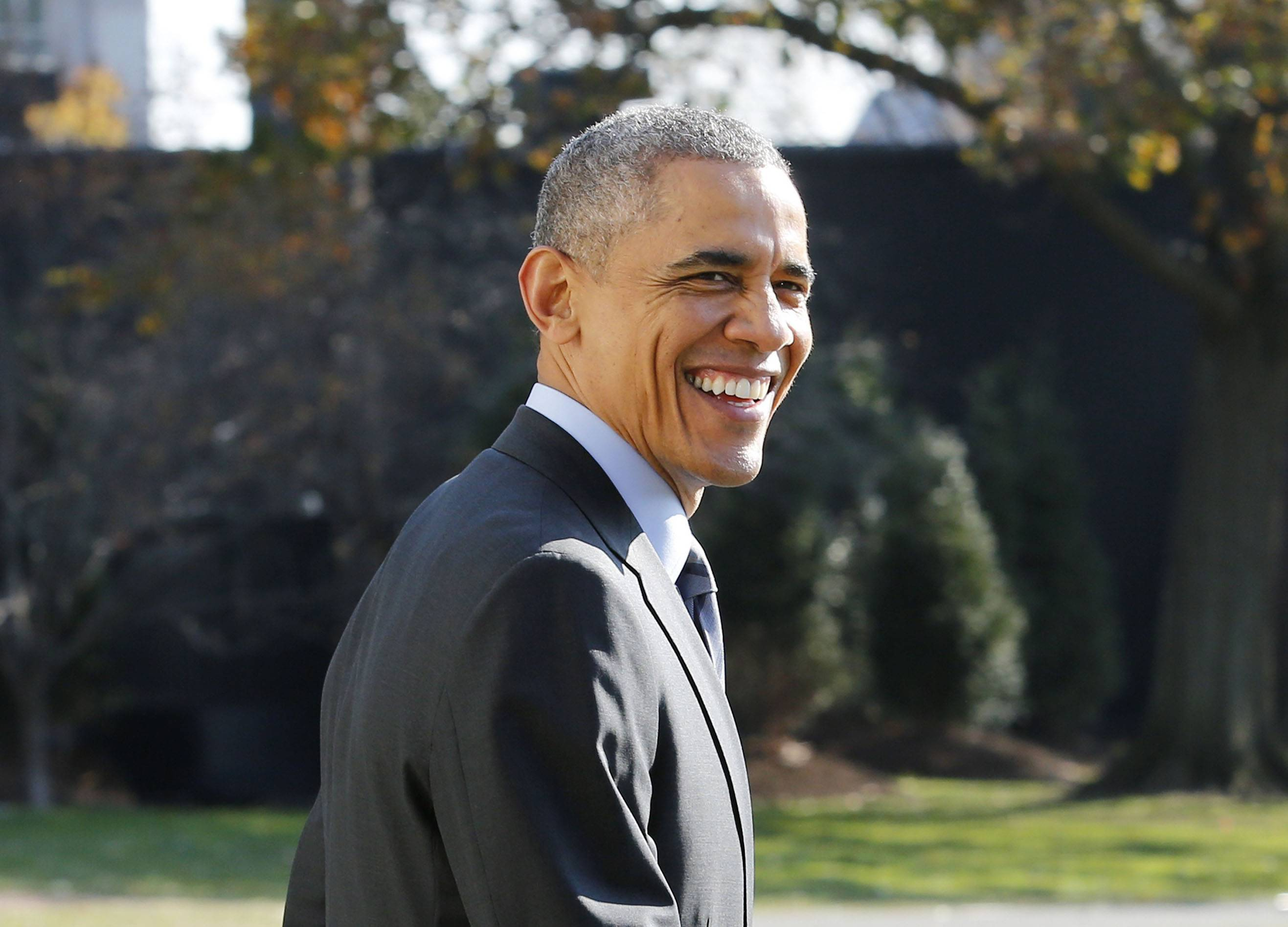"""President Obama Would Be Upset if He Were Detroit Lions Fan - President Obama is a diehard Chicago Bears fan, but admitted he would have been upset if he was a Detroit Lions follower over the infamous non-interference call against the Dallas Cowboys on Sunday. Obama said he would have been """"pretty aggravated"""" to the Detroit News.(Photo: YURI GRIPAS/AFP/Getty Images)"""