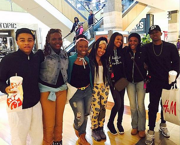 The Nellyville Clan Does the Mall - Lil' Shawn, Nana, Stink and Tre great fans while out shopping.   (Photo: LIL SHAWN via Instagram)