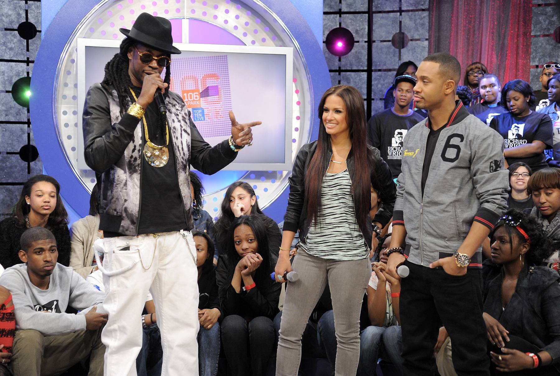 You're Right - 2 Chainz with Rocsi Diaz and Terrence J at 106 & Park, April 9, 2012. (photo: John Ricard / BET)