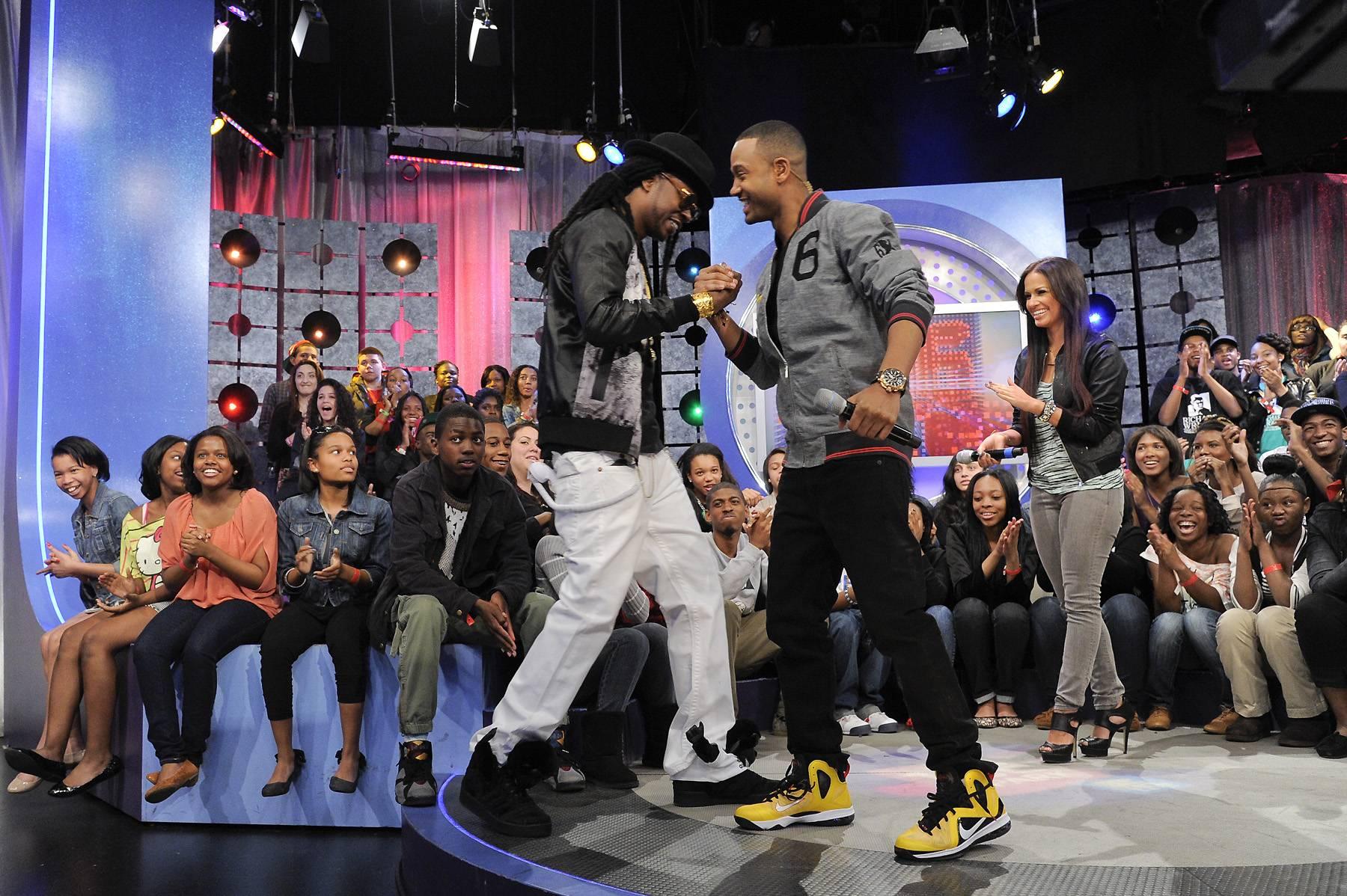What's Good - 2 Chainz enters the set at 106 & Park, April 9, 2012. (photo: John Ricard / BET)