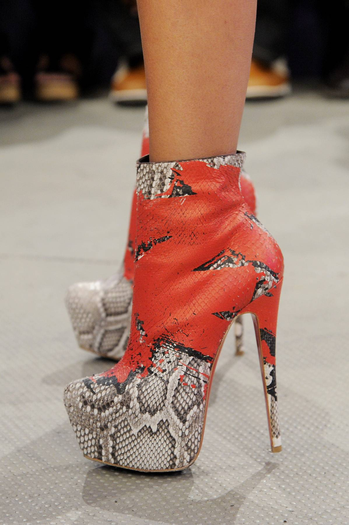 Boots Made for Walking? - Rocsi rocks some power-heels on 106 & Park, April 6, 2012.(photo: John Ricard / BET)