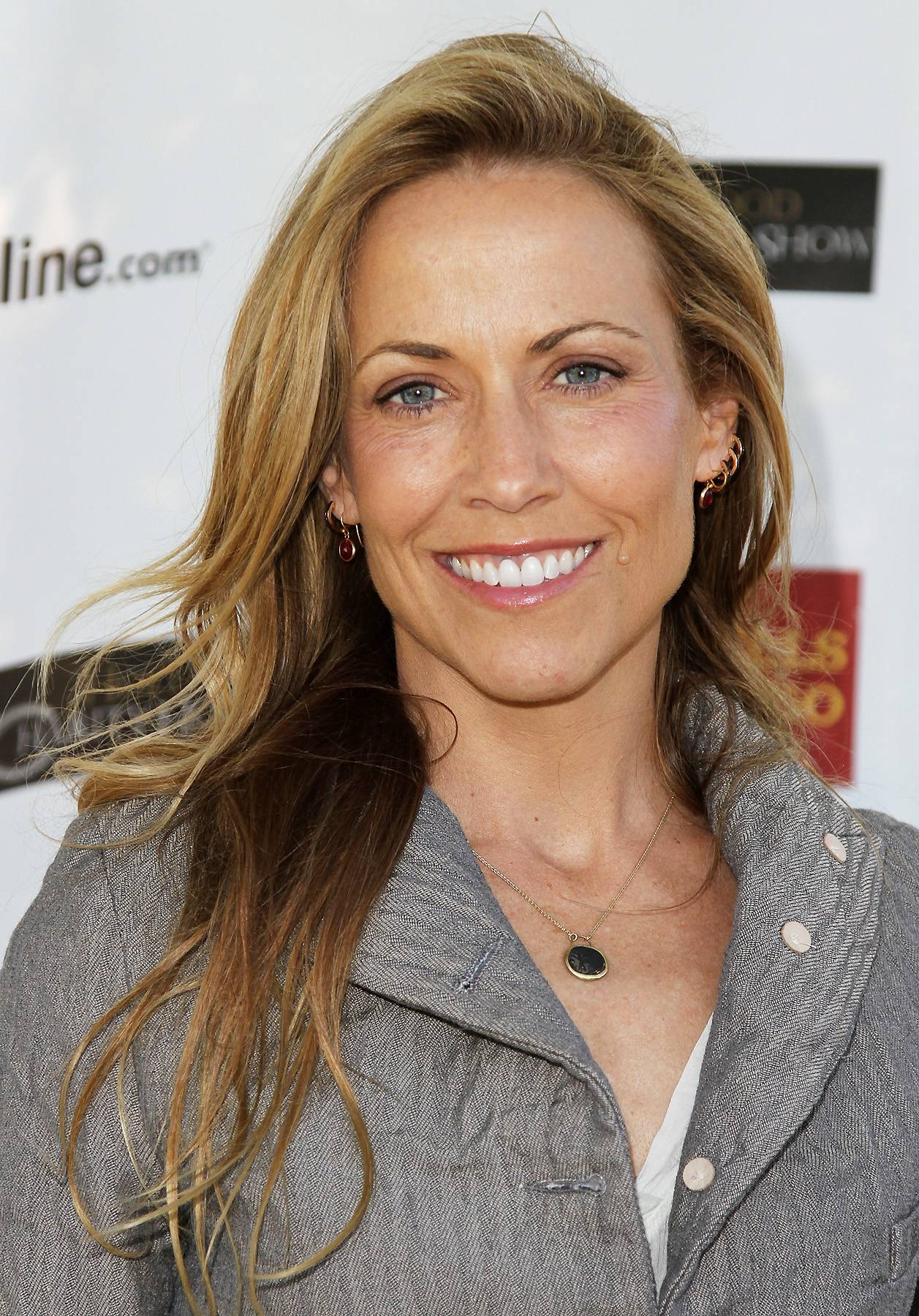 040612-shows-lets-stay-together-cougars-sheryl-crow.jpg