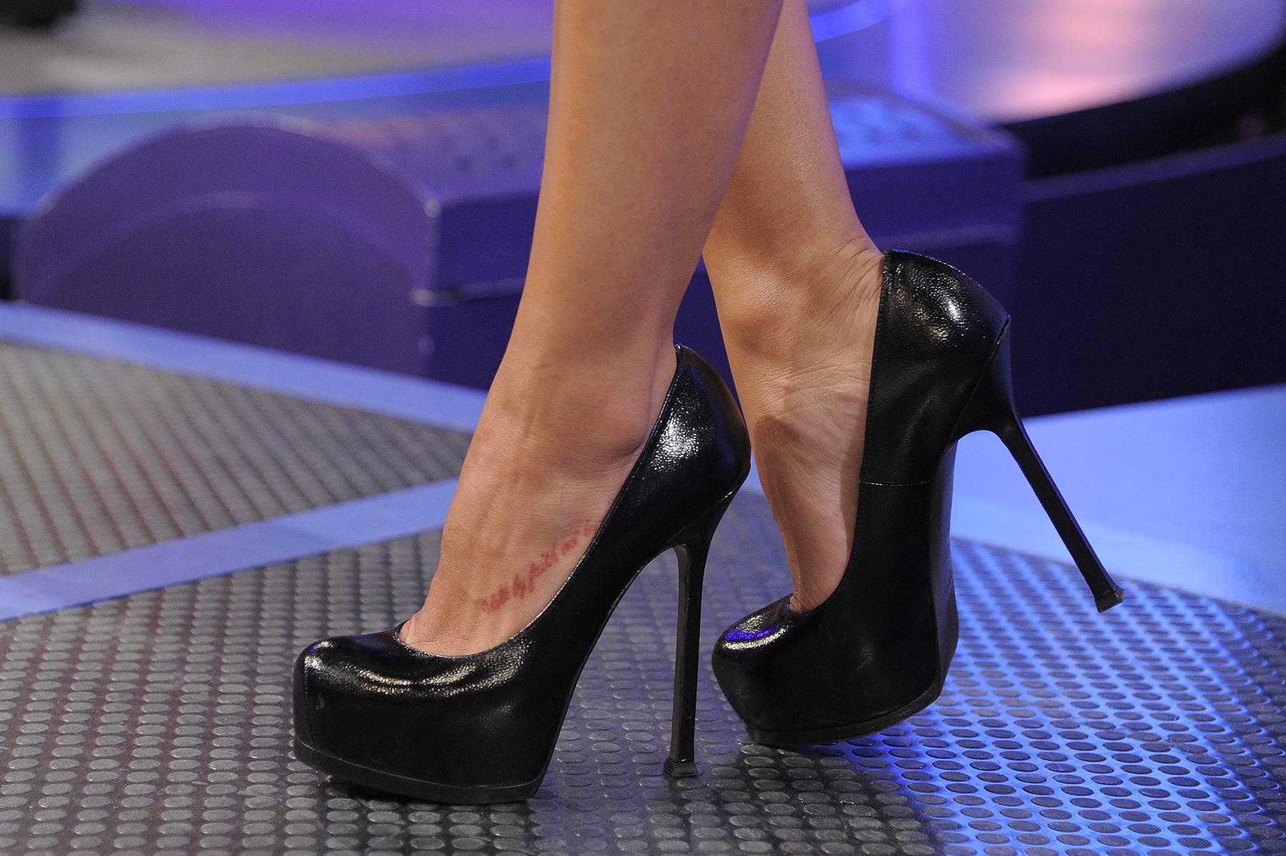 Nice Shoes - Rocsi Diaz at 106 & Park, April 5, 2012. (photo: John Ricard / BET)