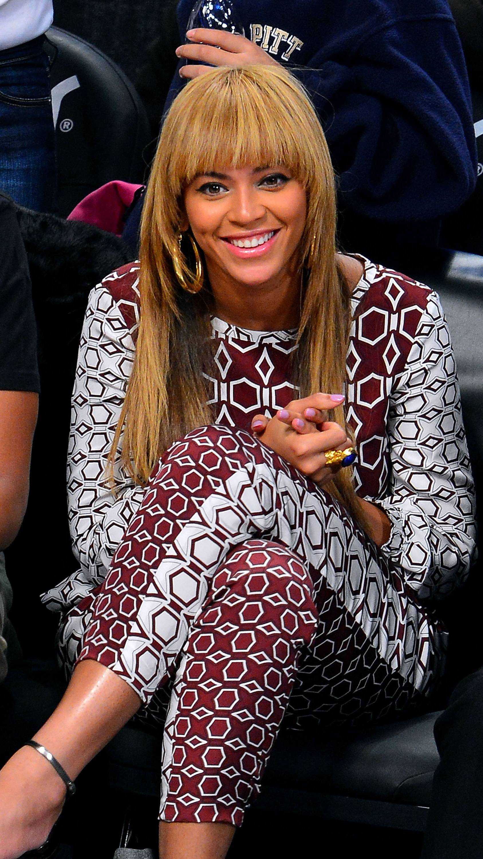 Beyonc? - Beyonc? is beautiful, talented, smart and motivated, but that doesn't mean she can't take a joke. Even though Beyonc? caught on to Ashton's punking, that doesn't mean J.B. can't get one over on her.