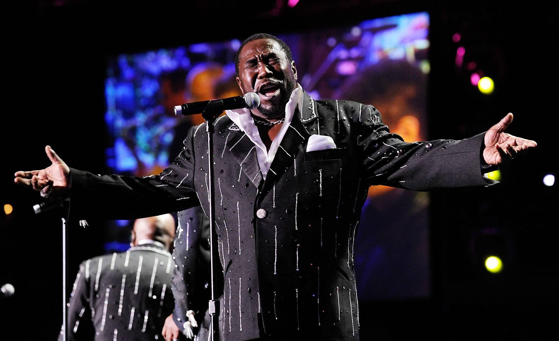 /content/dam/betcom/images/2012/11/Shows/Soul-Train-Awards/110412-shows-sta-eddie-levert-6.jpg