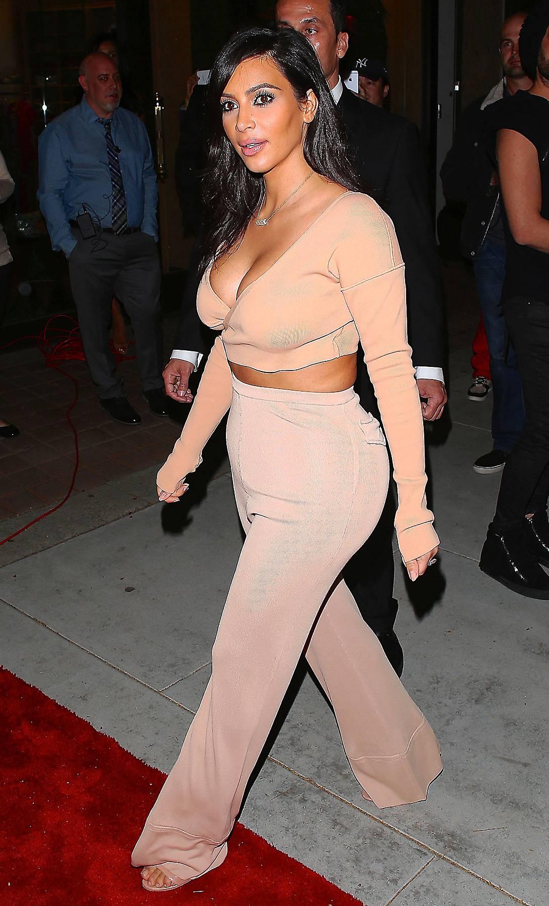 111414-celebs-out-kim-kardashian.jpg