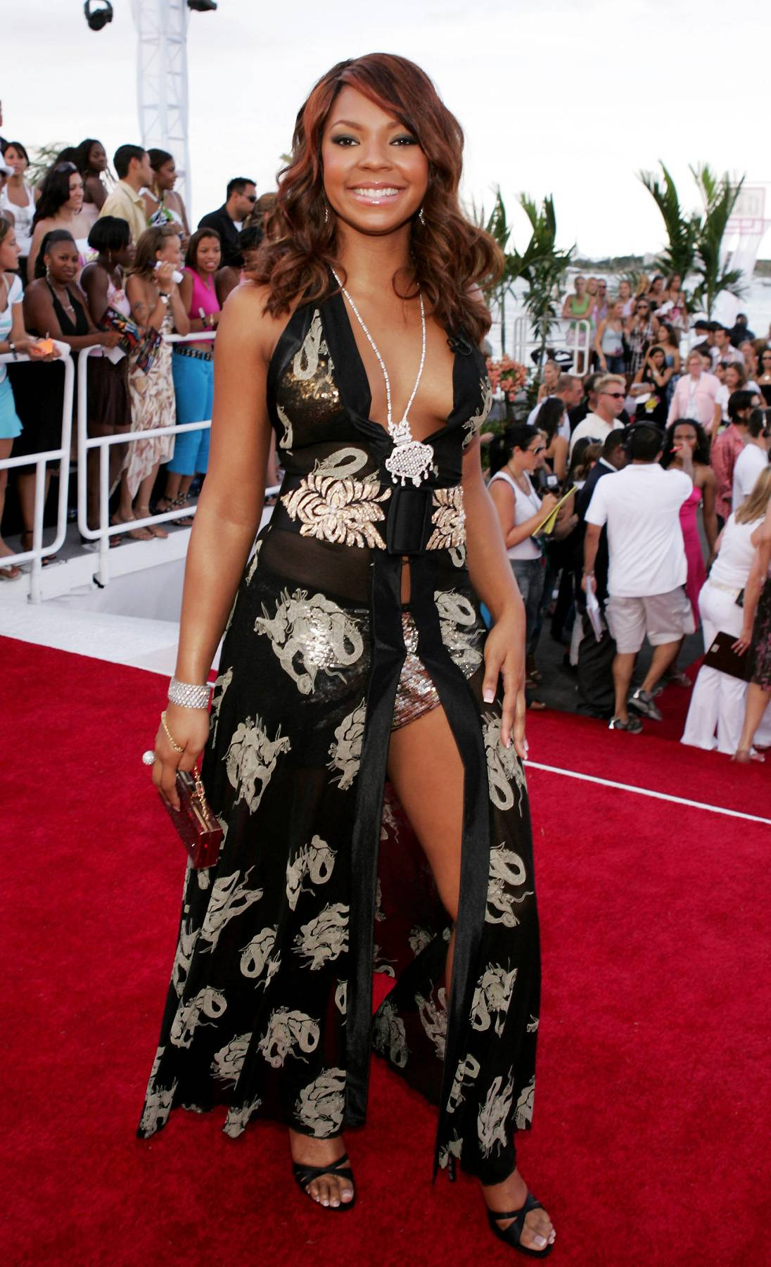 Showing Some Skin - Ashanti shows a lot of skin at the 2004 MTV Video Music Awards.(Photo: Frank Micelotta/Getty Images)