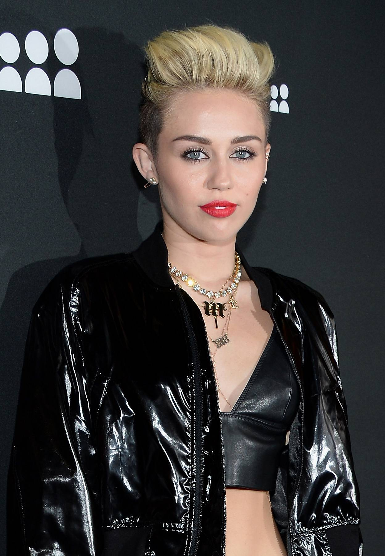 """Miley Threatens Her Father to 'Tell the Truth' - In recent years, Miley Cyrus has become notorious for being in the news. Once, the provocative pop singer aired some family dirty laundry on Twitter, threatening her father, Billy Ray Cyrus,to """"tell the truth"""" or she would. Weeks prior to her Twitter post, her dad had filed for divorce from Tish, his wife of 19 years.Tweet: """"@billyraycyrus since you won't reply to my texts I'll give you an hour [to] tell the truth or I'll tell it for you.""""(Photo: Jason Kempin/Getty Images for Myspace)"""