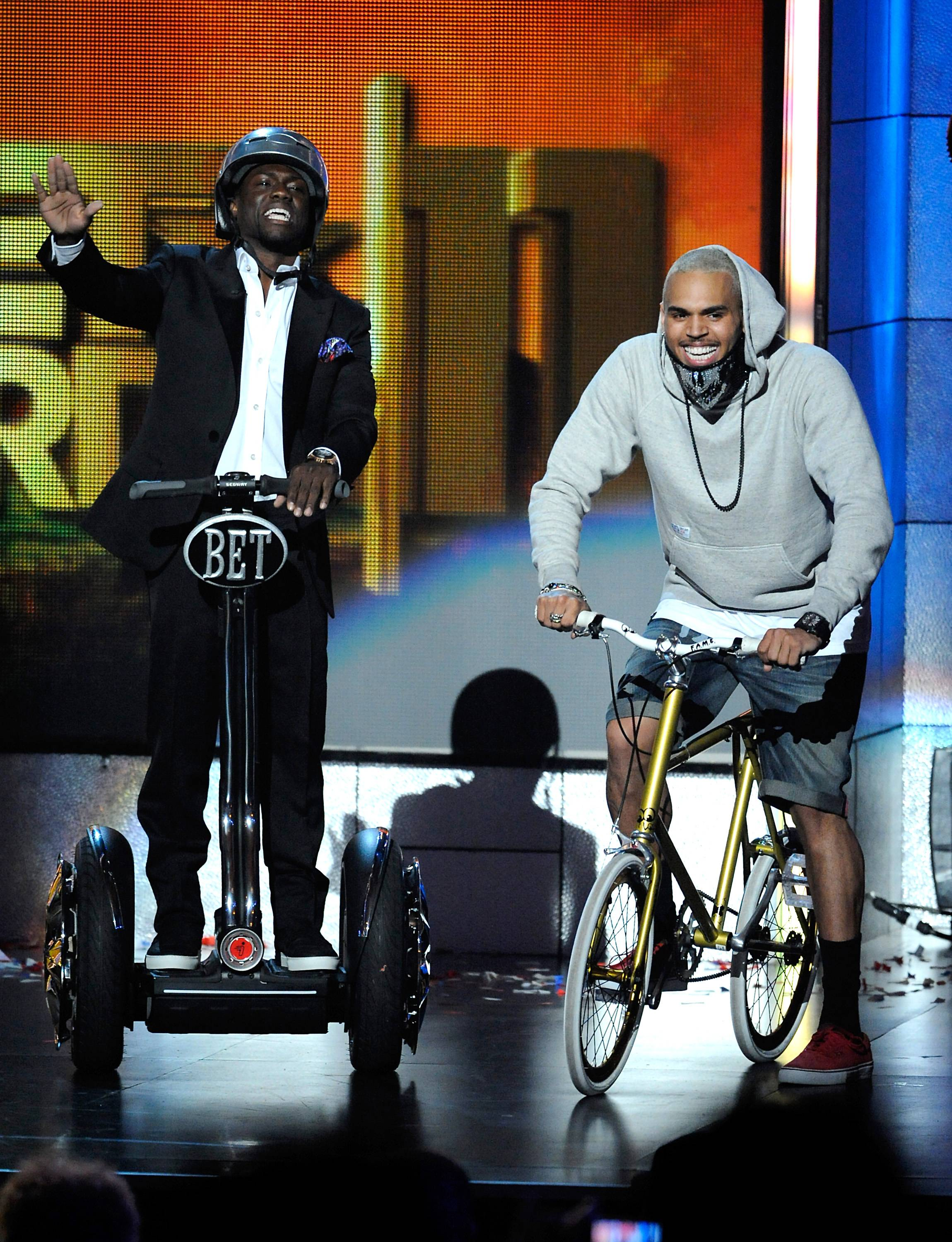 10. He's Cool With Kevin Hart - The easiest way to being a Real Husband.(Photo: Phil McCarten/PictureGroup)
