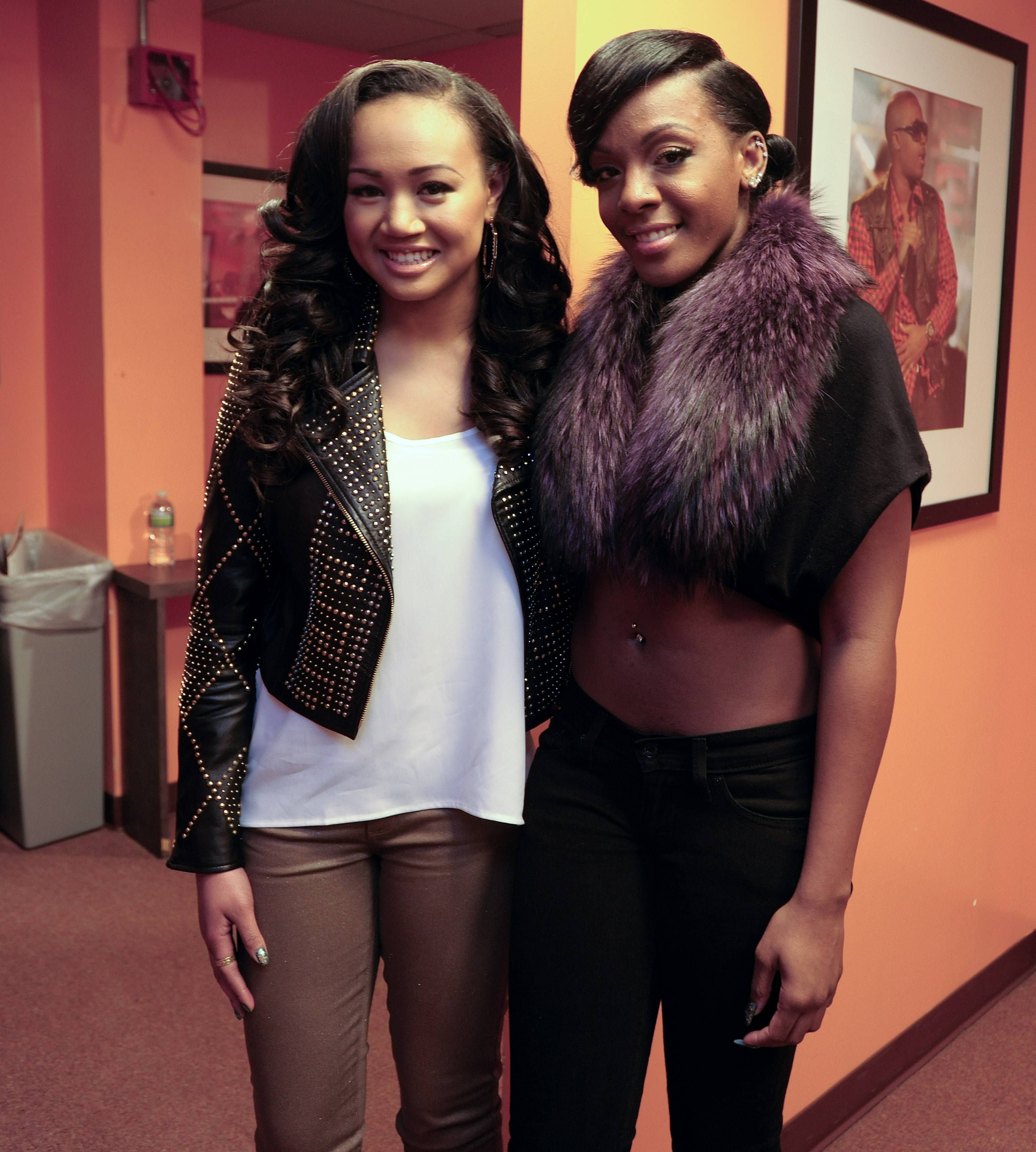 Hey Girl - Cymphonique and Dawn Richard backstage at 106 & Park (Photo: John Ricard/BET)