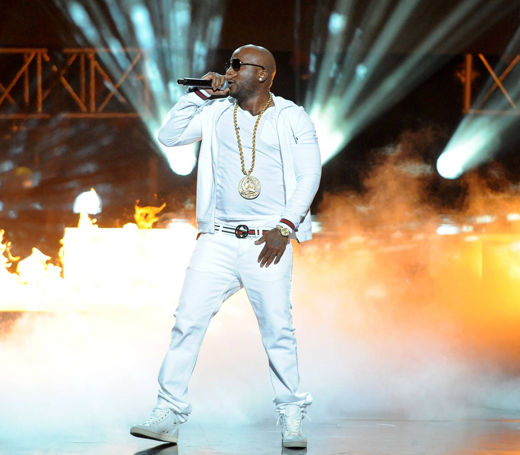 /content/dam/betcom/images/2011/10/Music-10.16-10.31/102611-music-delayed-young-jeezy.jpg