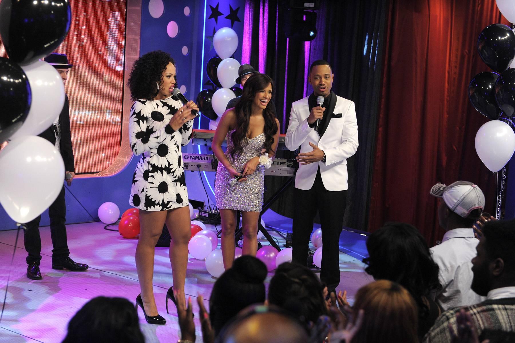 Grand Finale? - Elle Varner with Rocsi Diaz and Terrence J at 106 & Park, May 25, 2012. (Photo: John Ricard / BET)