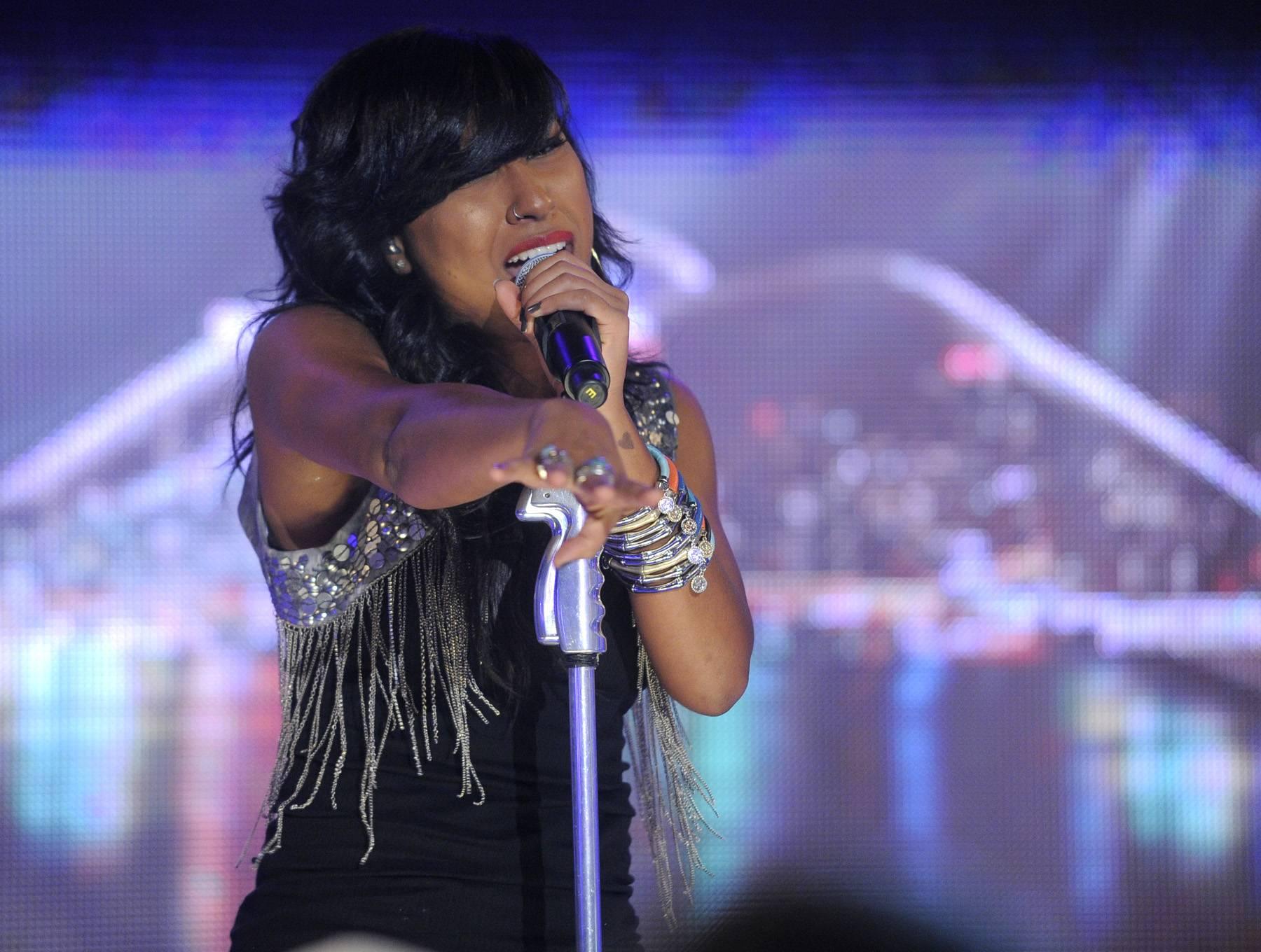 Sing It, Girl! - Melanie Fiona performs at 106 & Park, May 22, 2012. (Photo: John Ricard / BET)