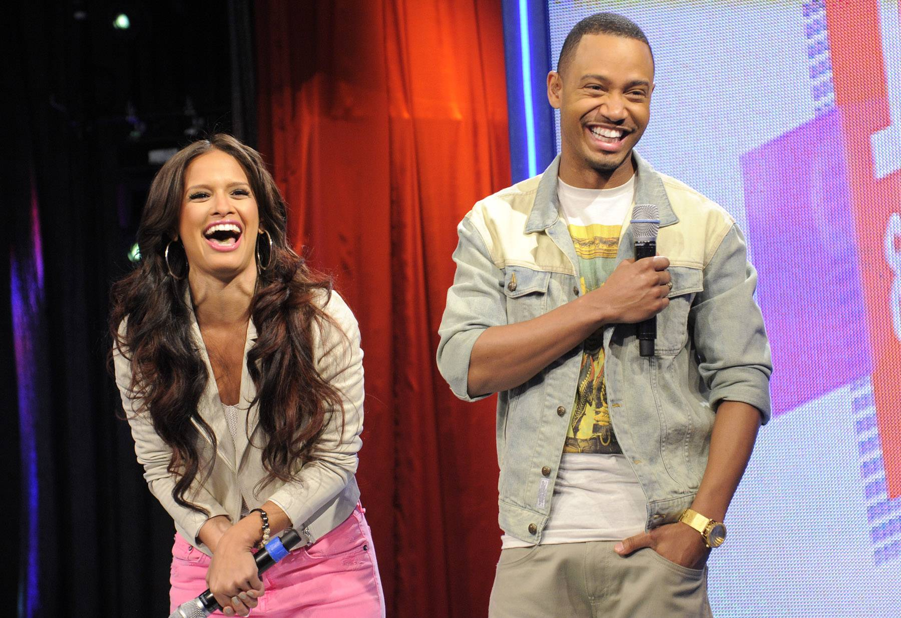 """Hosts - Terrence J and Rocsi Diaz react to the Nas and Nicki Minaj's kiss in her """"Right By My Side"""" video at 106 & Park, May 16, 2012. (Photo: John Ricard / BET)"""