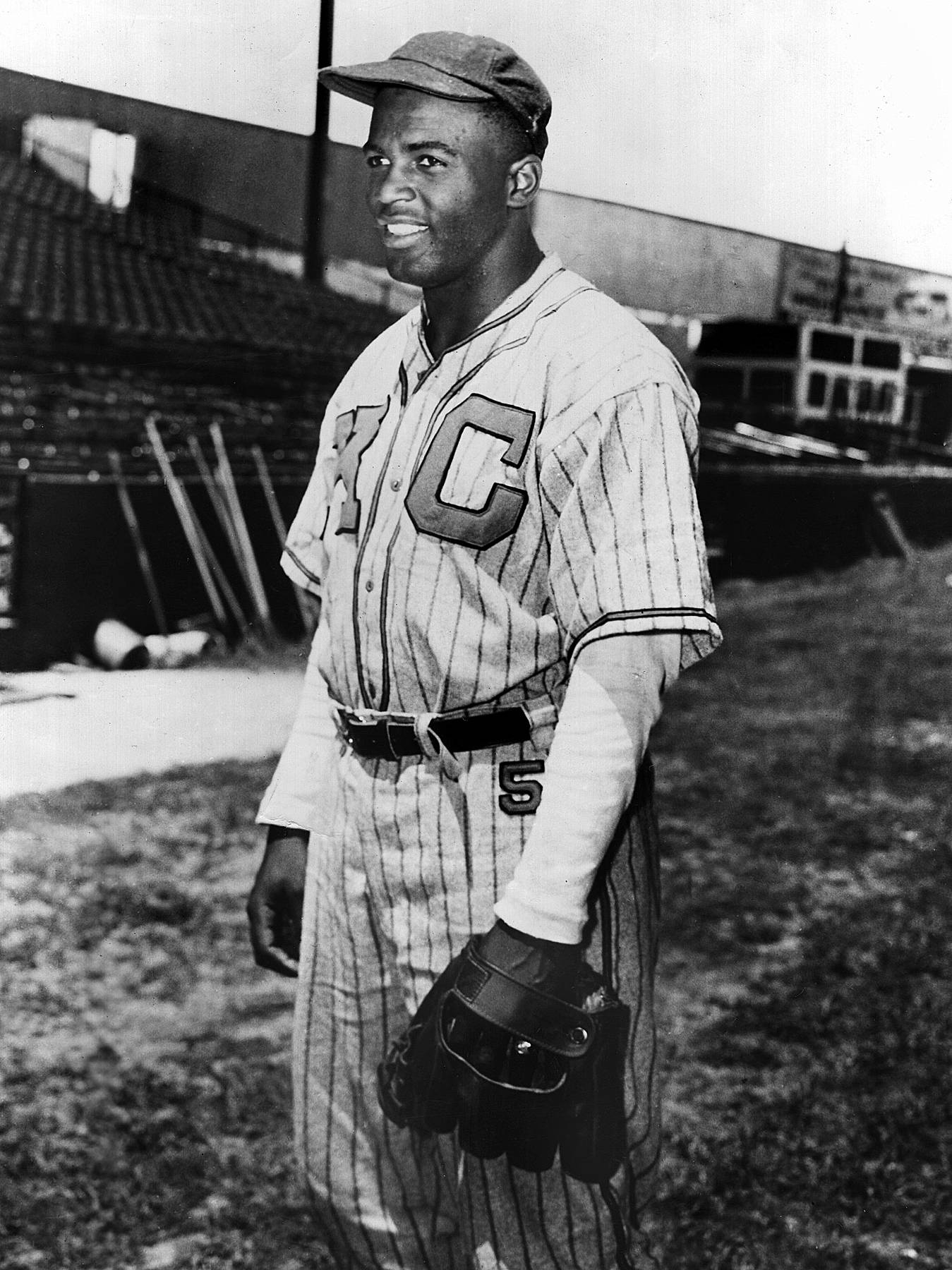 Jackie Robinson - Two years before he broke baseball?s color barrier by joining the Brooklyn Dodgers, Jackie Robinson was a star in the Negro Leagues, playing for the Kansas City Monarchs in 1945. The second baseman was inducted under the Dodgers in 1962.(Photo: Sporting News via Getty Images)