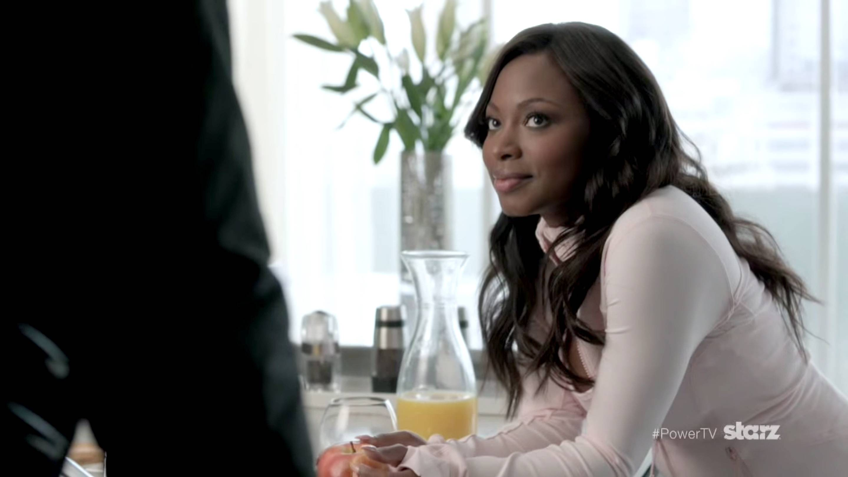 And Another One - Tasha knows the way to a man's heart (and mind). After cooking some breakfast, she asks the hard questions to get what she wants.   (Photo: Starz)