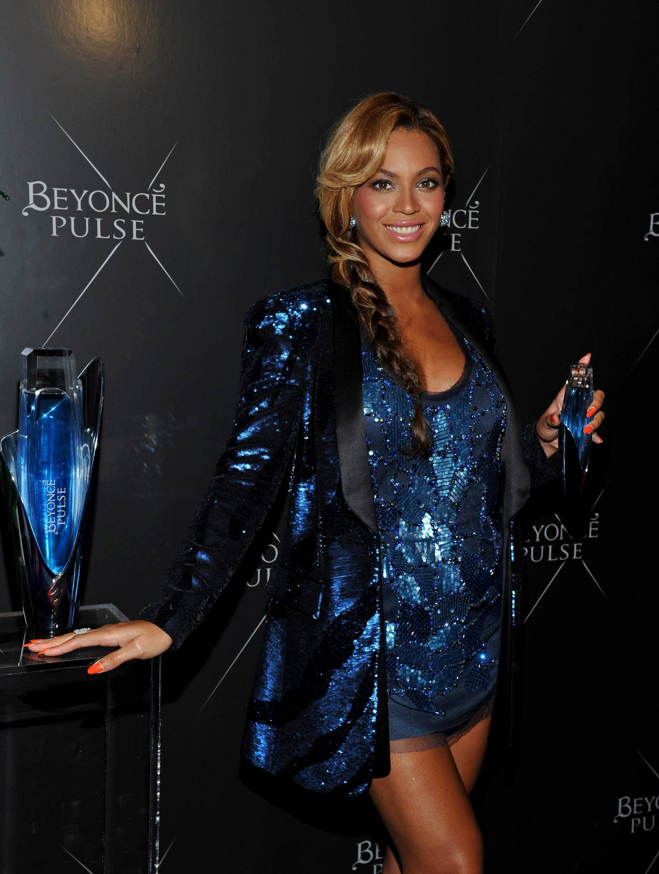 Beyonc? Keeps Our Pulses Racing - In between covering GQ and Vogue, performing at the Super Bowl and releasing her documentary, Beyonc? found time to shoot new promo pics for her fragrance, Pulse. We haven't seen the images yet, but they will be perfect and solidify 2013 as King Bey's year.  (Photo: Mike Coppola/Getty Images)