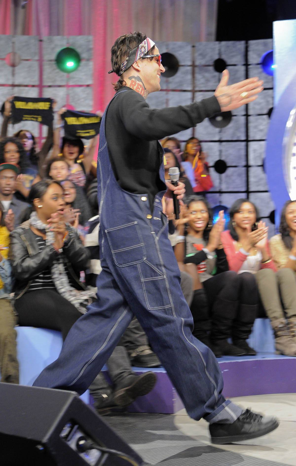 Here I Am - Yelawolf takes the stage at 106 & Park, January 27, 2012. (Photo: John Ricard / BET)