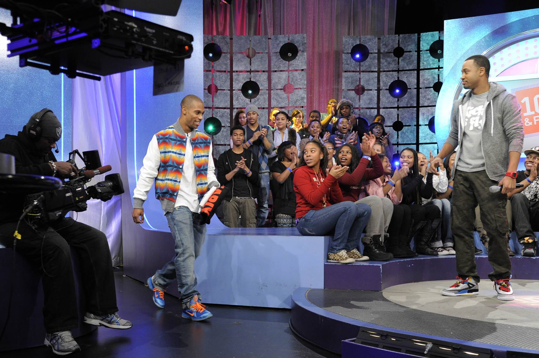 Come on Down - NY Giants wide receiver Victor Cruz takes the stage at 106 & Park, January 26, 2012. (Photo: John Ricard / BET)