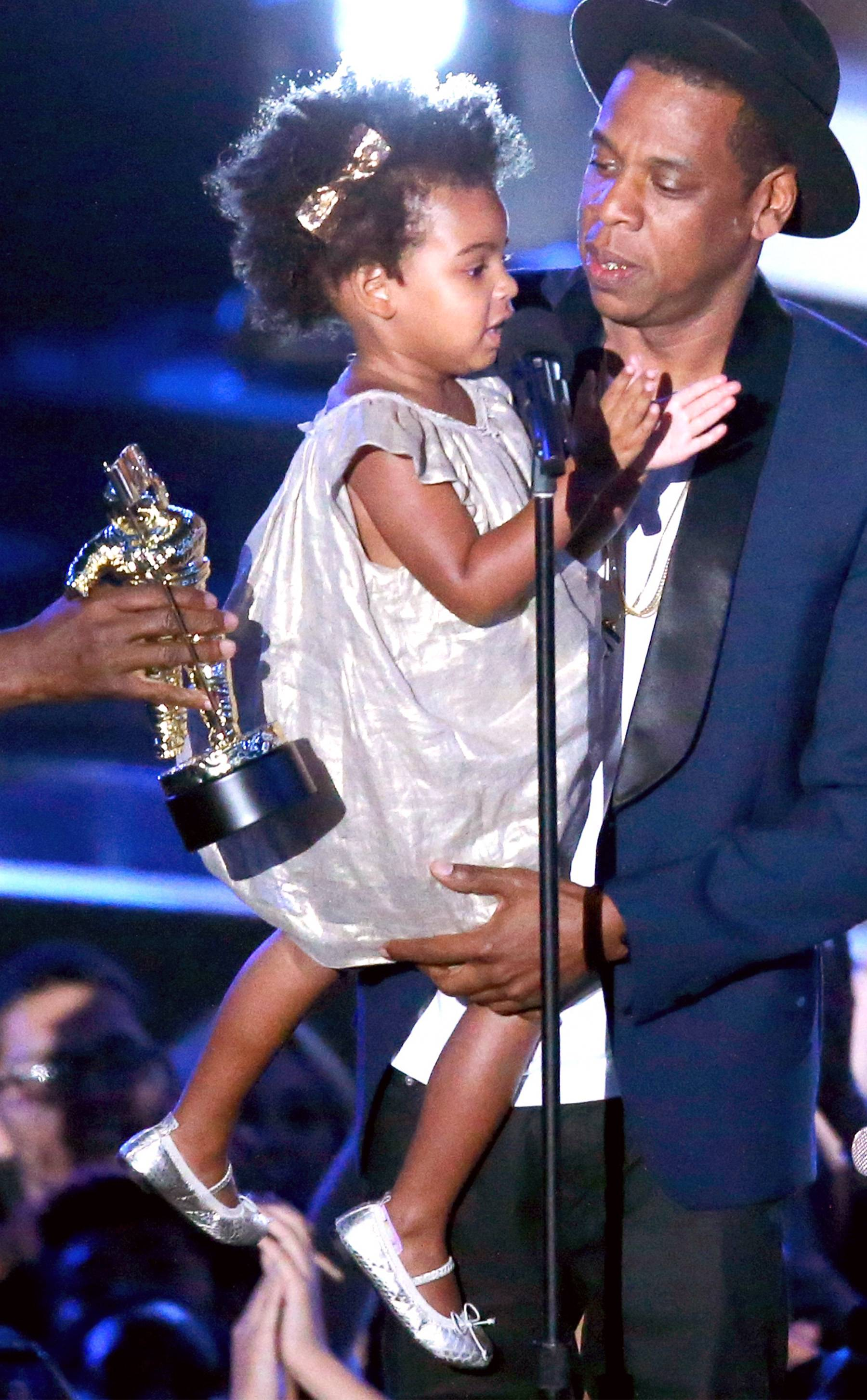 Blue Ivy Carter - That gold bow is everything!  (Photo: Mark Davis/Getty Images)