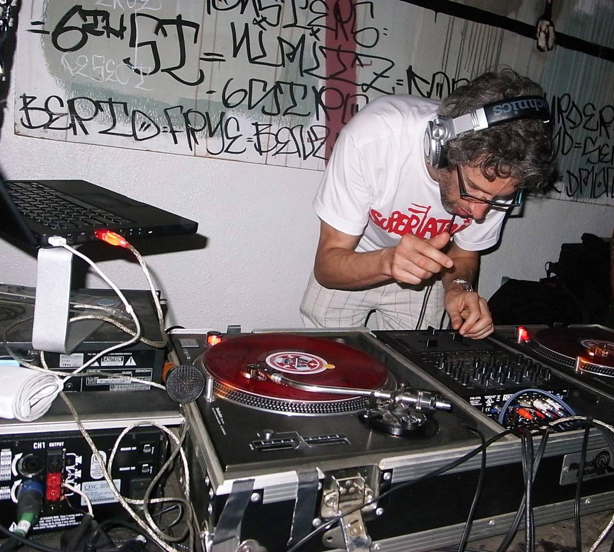 24. DJ Stretch Armstrong - As the namesake of New York's revered Stretch Armstrong Show, Stretch ruled rap's underground throughout the '90s, helping to launch the careers of the Notorious B.I.G., Mobb Deep, Redman, Big L and other Big Apple street legends.  (Photo: Facebook)
