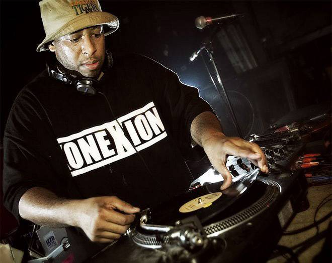 8. DJ Premier - Though he's certainly one of hip hop's best producers of all time, DJ Premier's impact on the world of turntablism can't be understated. His precise, musical scratching and smart use of vocal samples on Gang Starr's classic albums were revolutionary, proving beyond a doubt that the turntables were an instrument in their own right.  (Photo: djpremier.org)