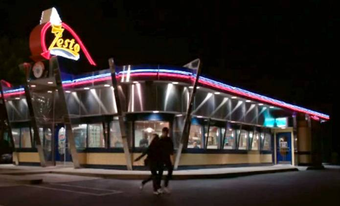9. Historical Dining - The diner that Mary Jane meets her ex-boyfriend David at is Zesto's, which is an Atlanta landmark. The diner has been open 24 hours since 1954.   (Photo: BET)