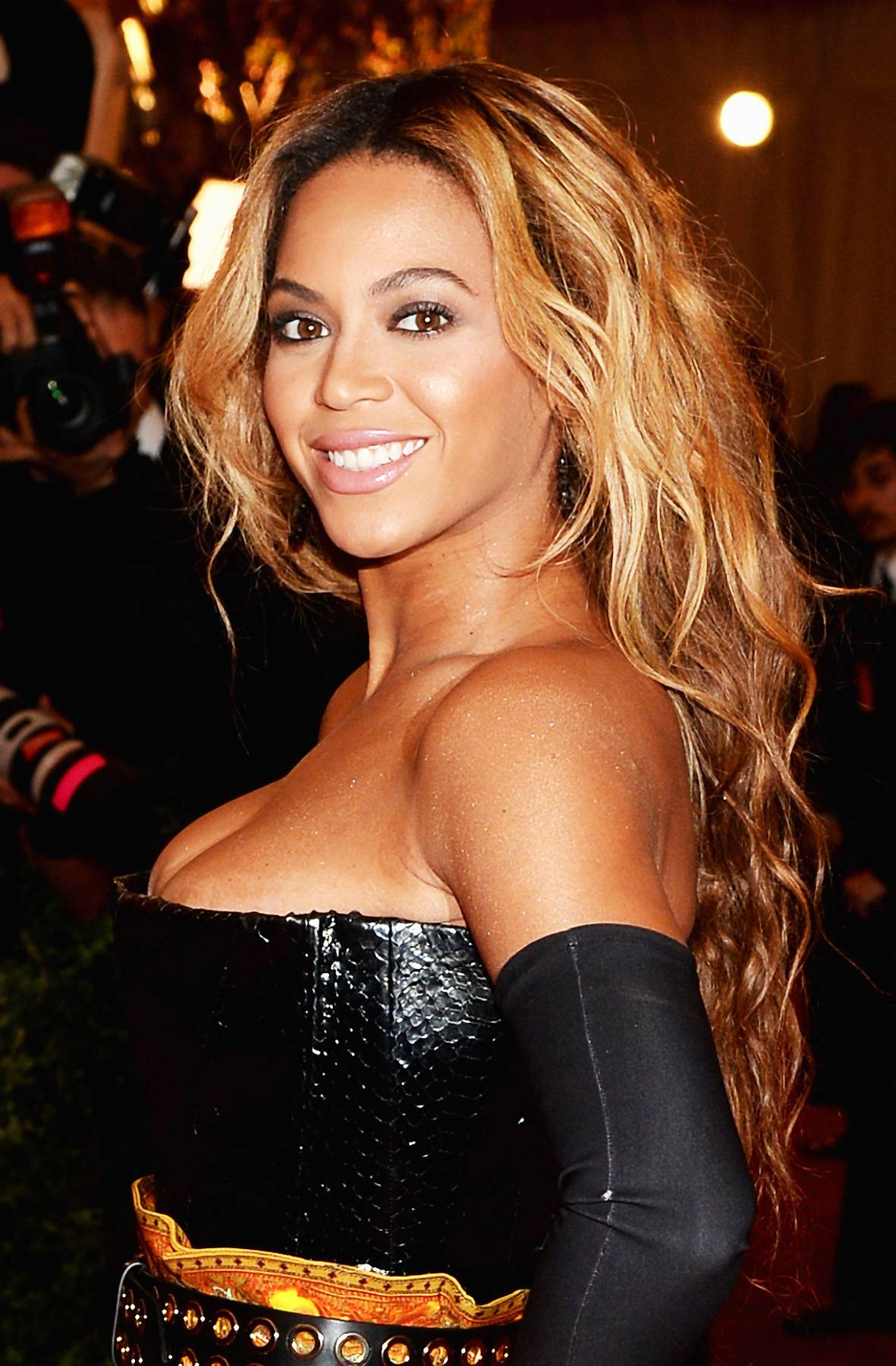 Will The Queen Continue Her Reign - Beyonce won?t just headline the BET Experience because she joins Elle Varner, Rihanna, Tamar Braxton and Alicia Keys in the Best Female R&B/Pop category. Can she make it two in a row?  (Photo: Dimitrios Kambouris/Getty Images)
