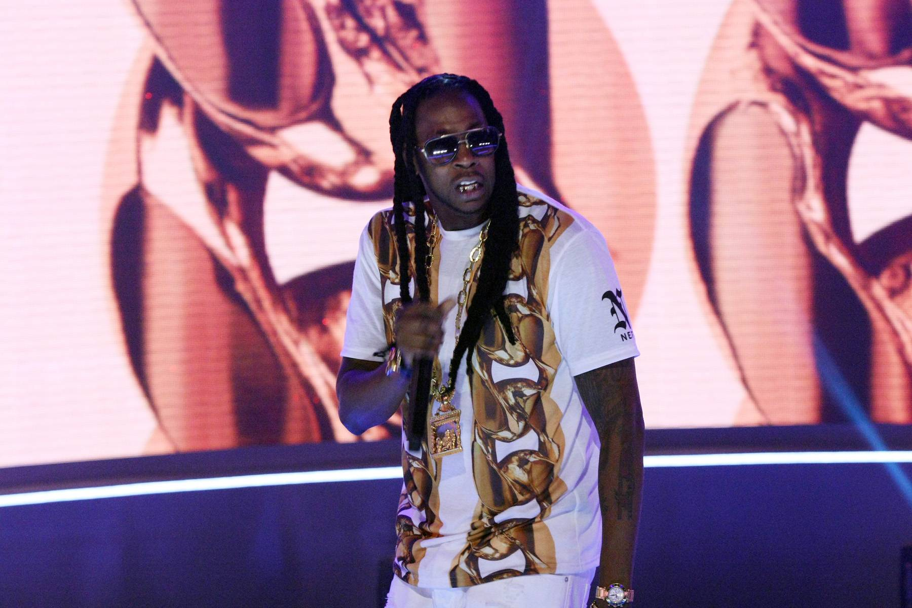 2 Chainz Reigns - We were introduced to 2 Chainz (the solo artist) a little over a year ago and we haven't looked back since. With crazy lyrics, energy on stage that makes him electric and a fashion sense that has style enthusiasts everywhere taking note, it's safe to say that 2 Chainz reigns!  Don't miss the ATLien tonight on 106 with Jason DeRulo!(Photo: Splash News)