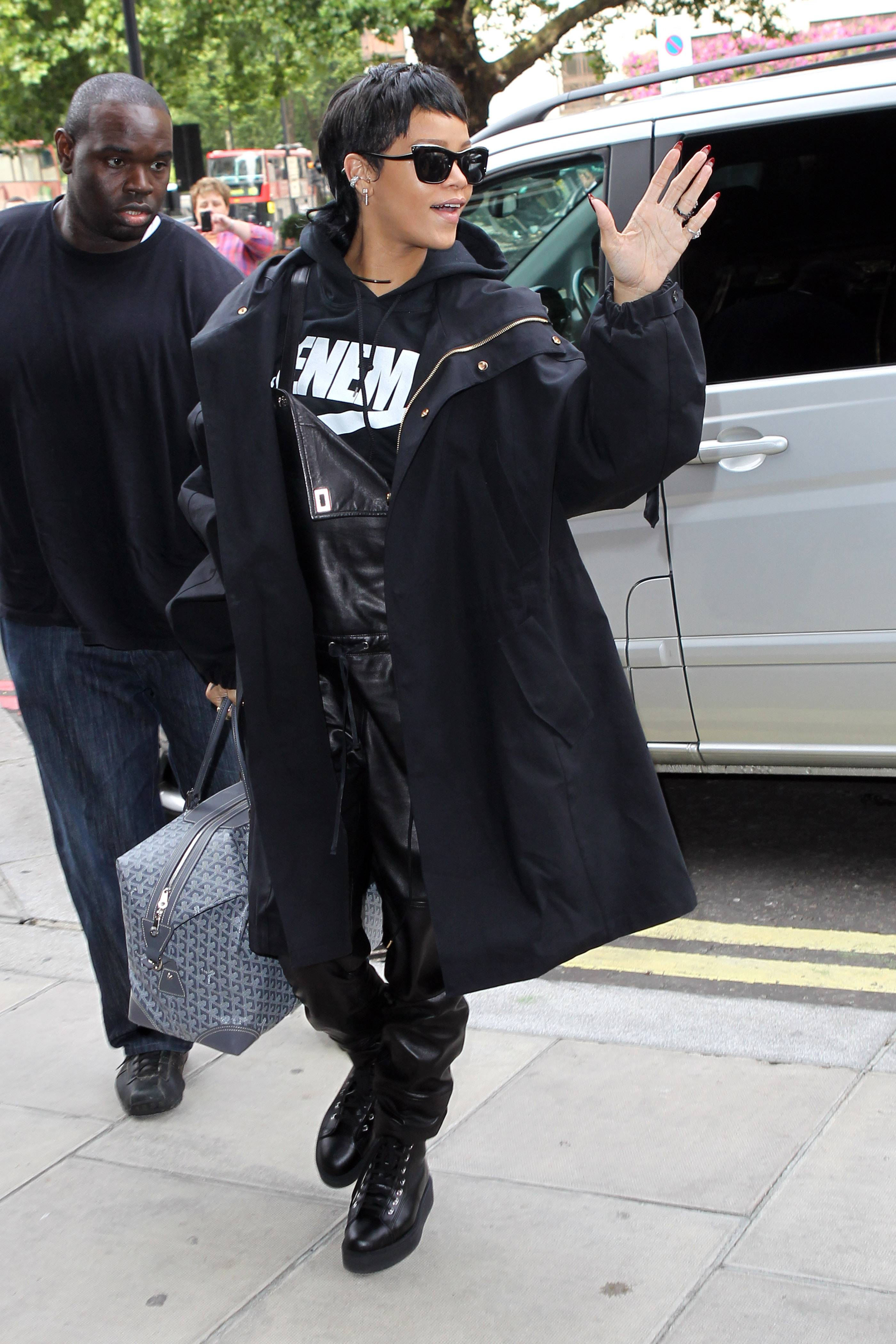 """#RihannaforRiverIsland Royalty - Could Rih Rih be the princess of England? Today she launches her Fall clothing line for River Island. This is what she tweeted: """"UK Navy, I'm in London today launching the Autumn #RihannaforRiverIsland range,"""" she tweeted before her arrival.""""(Photo: Neil P. Mockford/FilmMagic/Getty Images)"""