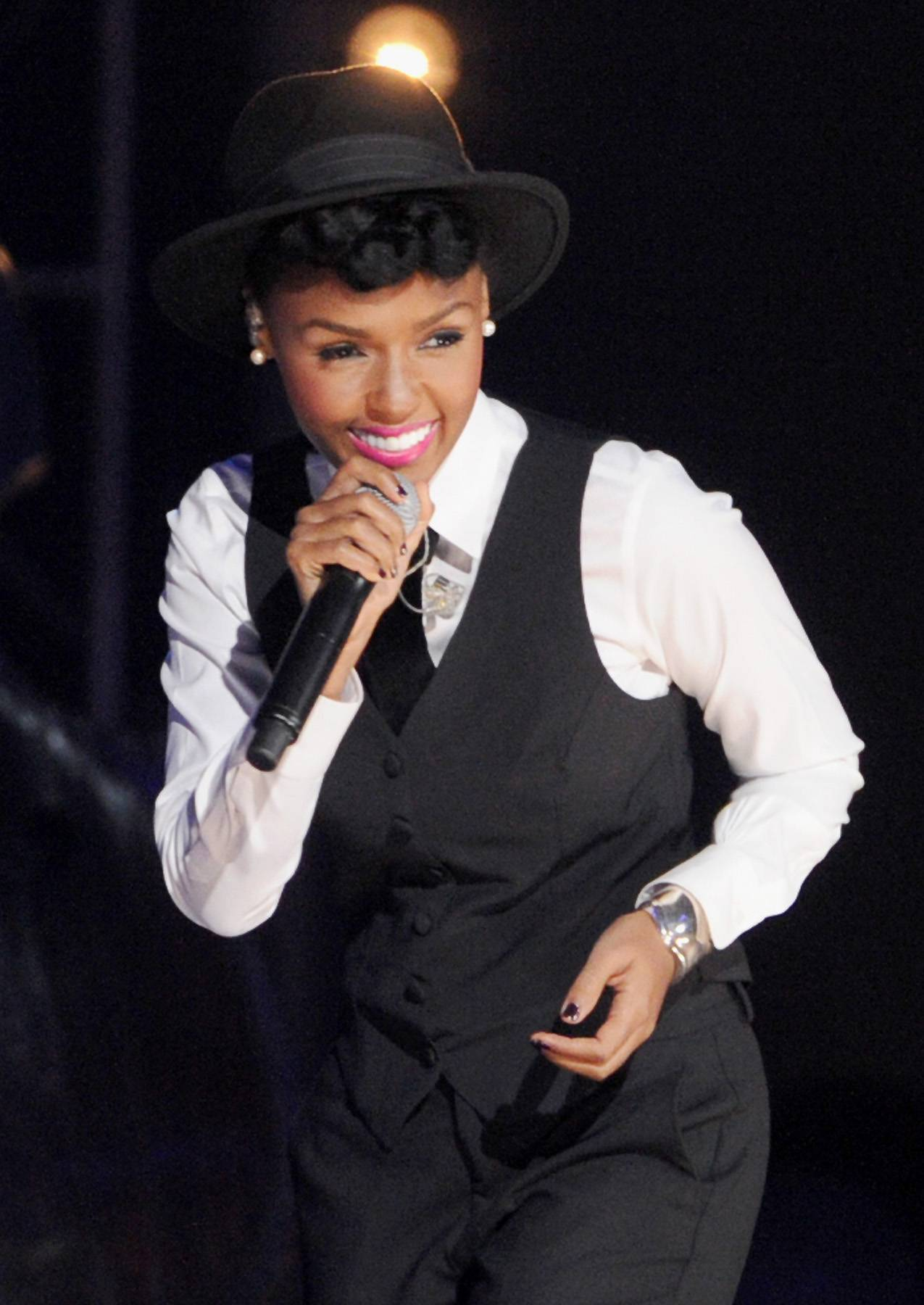 """Best R&B/Soul Female Artist: Janelle Mon?e - Mon?e left walking on the """"Tightrope"""" to become a """"Q.U.E.E.N""""Photo: Kevin Winter/Getty Images)"""