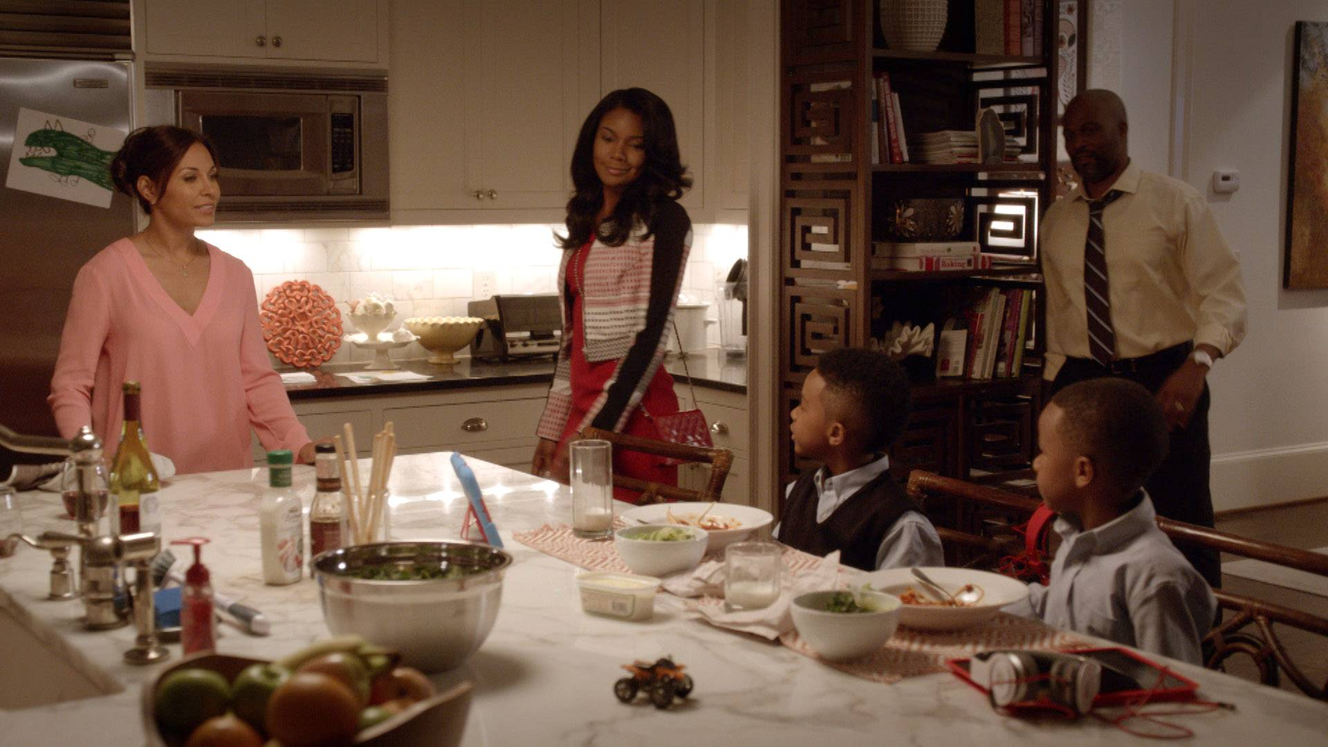 When Mary Jane Has a Goal... - When MJ is determined to do something, she gets it done, even if it means invading Valerie and Chris's family time to get the goods on David.   (Photo: BET)