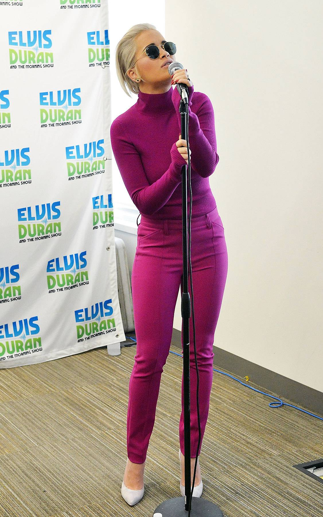 Yeah-Eeee-Yeah-Eeee-Yeah (a la Christina Aguilera) - Give us a little rock star vibe.   (Photo: Slaven Vlasic/Getty Images)