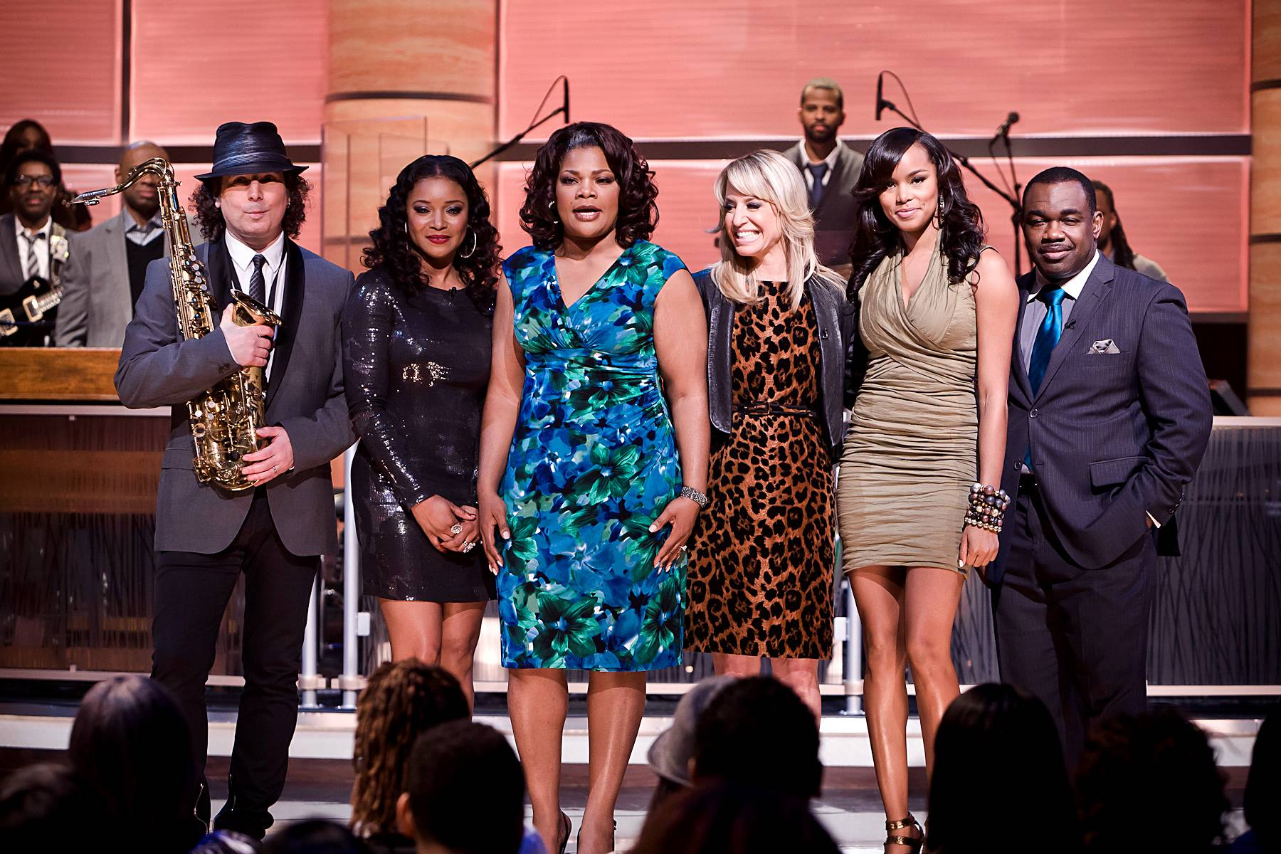 Farewell to Another Great Episode! - From left: Boney James, Tamala Jones, Mo'Nique, Dr. Laura Berman, LeToya Luckett, and Rodney Perry.(Photo: Darnell Williams/BET)