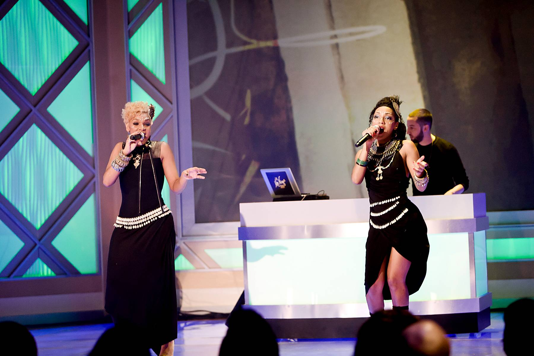 """Makeda Applebum\r - Before the night was through the Les Nubians made sure to take it back and perform their late '90s hit """"Makeda.""""\r\r\r(Photo: Darnell Williams/BET)"""