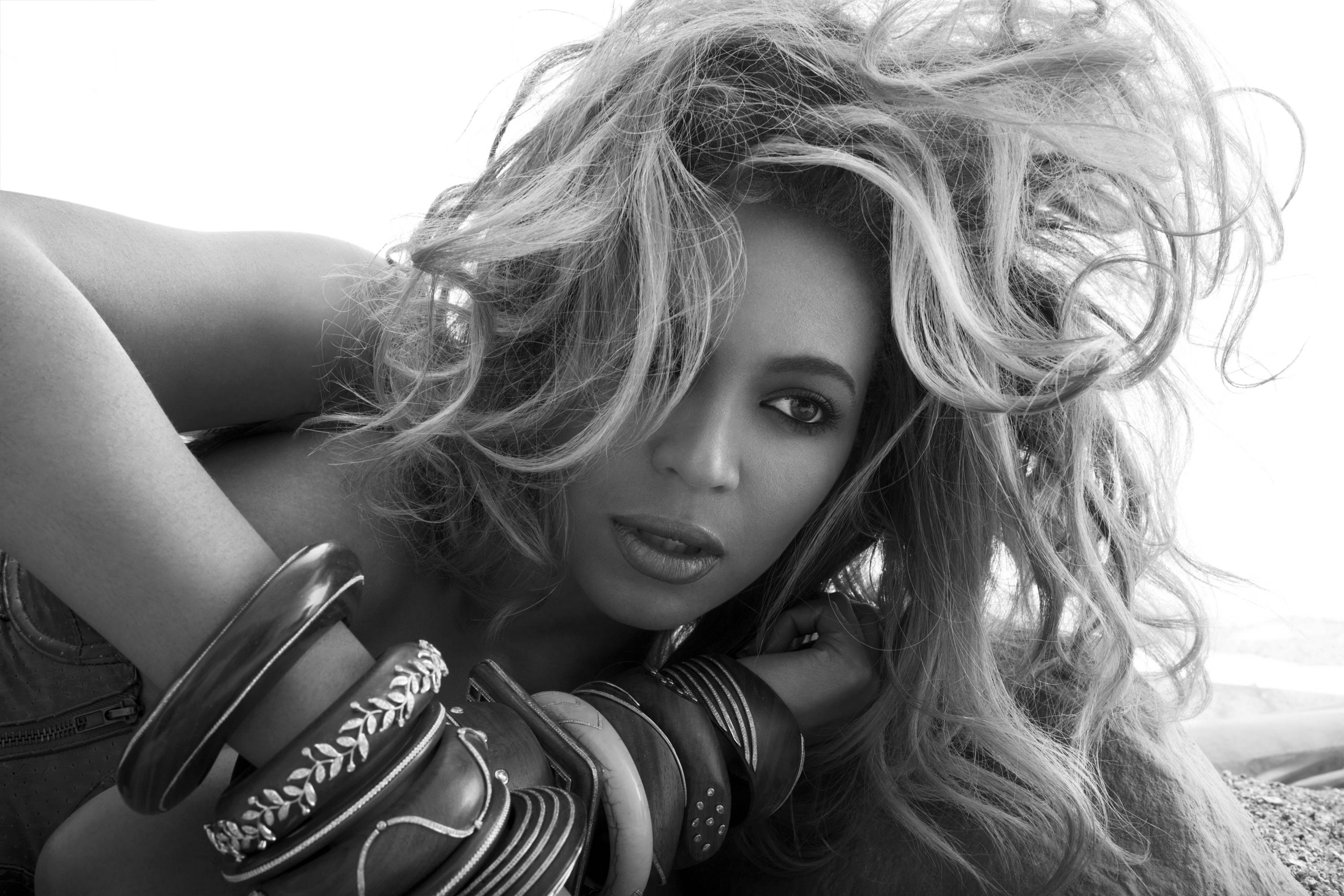 """The Soft Side - Although 4 is full of aggressive tracks there are some love songs. """"Love On Top,"""" """"I Miss You"""" and """"End Of Time"""" are the kind of records Beyonce is known for making into huge hits. (Photo: Tony Duran)"""